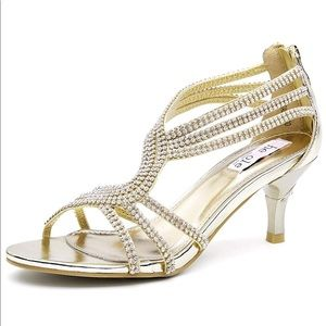 Gold formal heels 👠